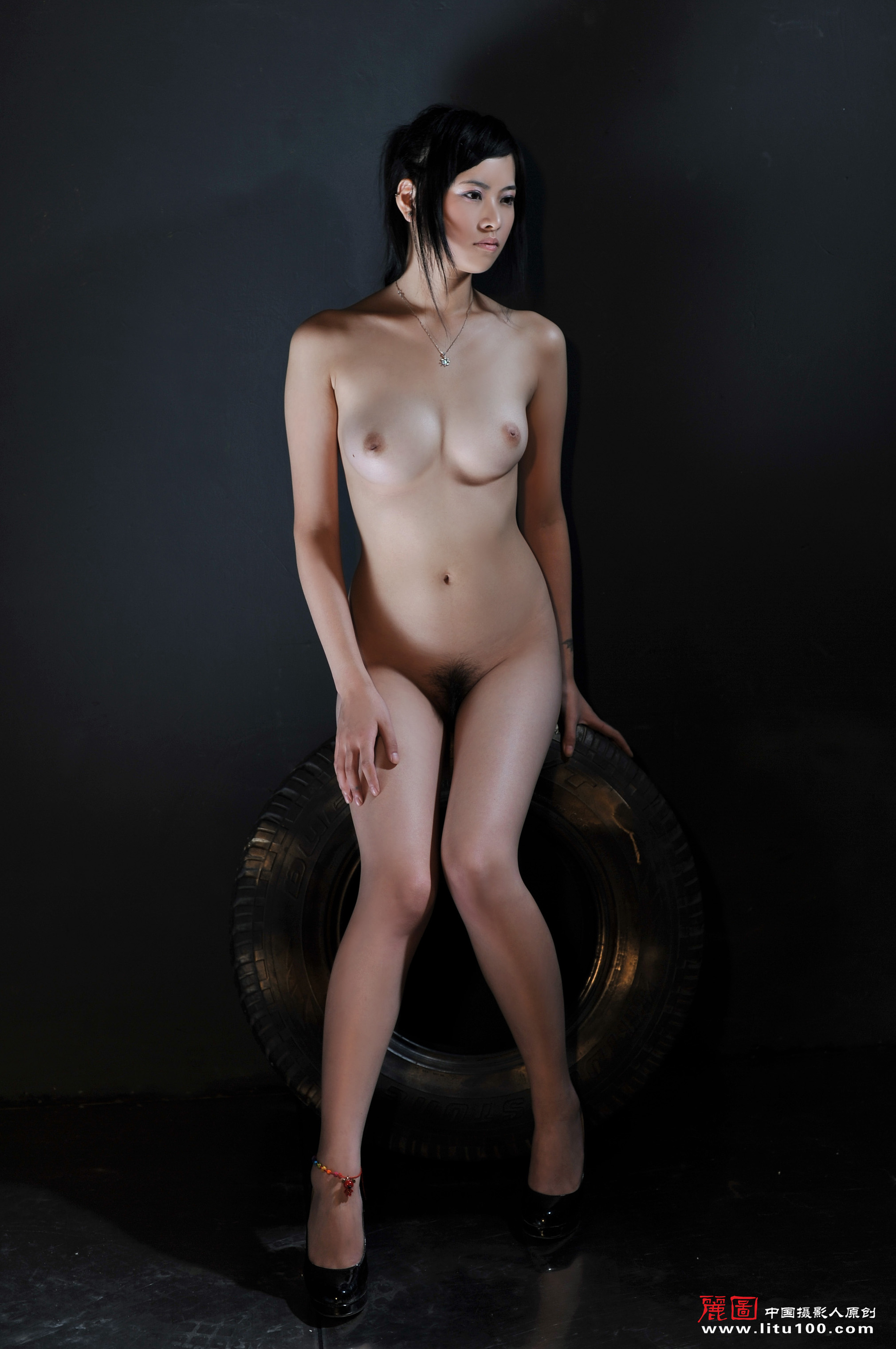 Chinese nude photography